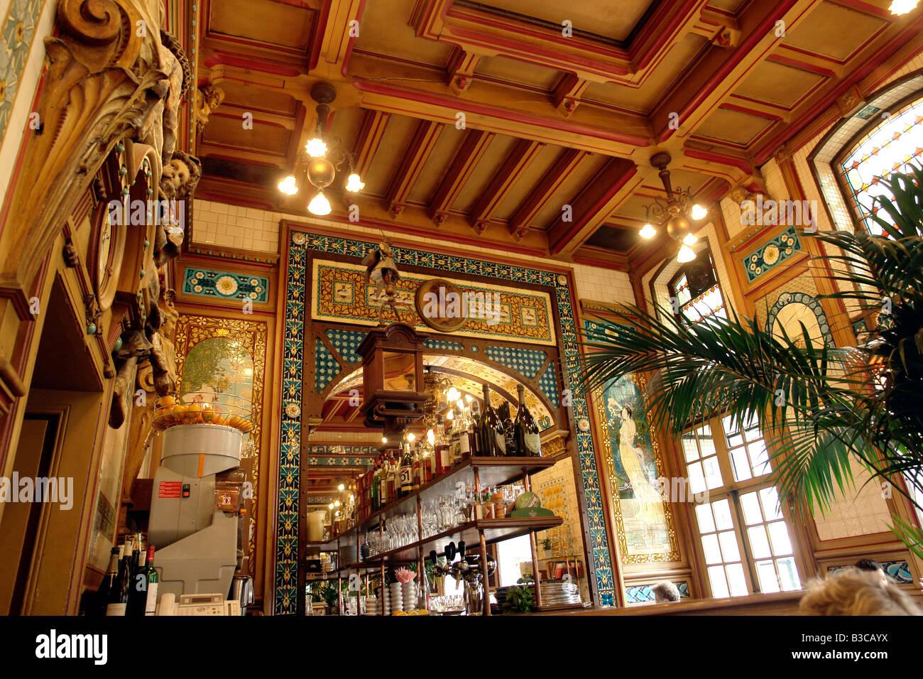 Art color nantes horaires - France Nantes Loire Atlantique The Restaurant La Cigale An Art Deco Restaurant Founded In 1895