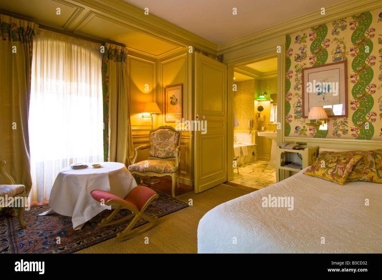 Hotel la mirande avignon europe france provence avignon la for Boutique hotel avignon