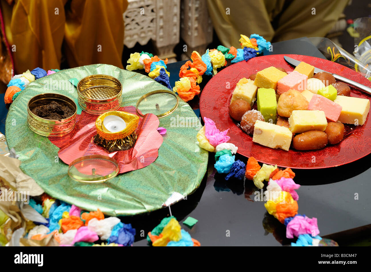 Mehndi Ceremony Food : Mehndi celebration traditional yellow pakistani dress