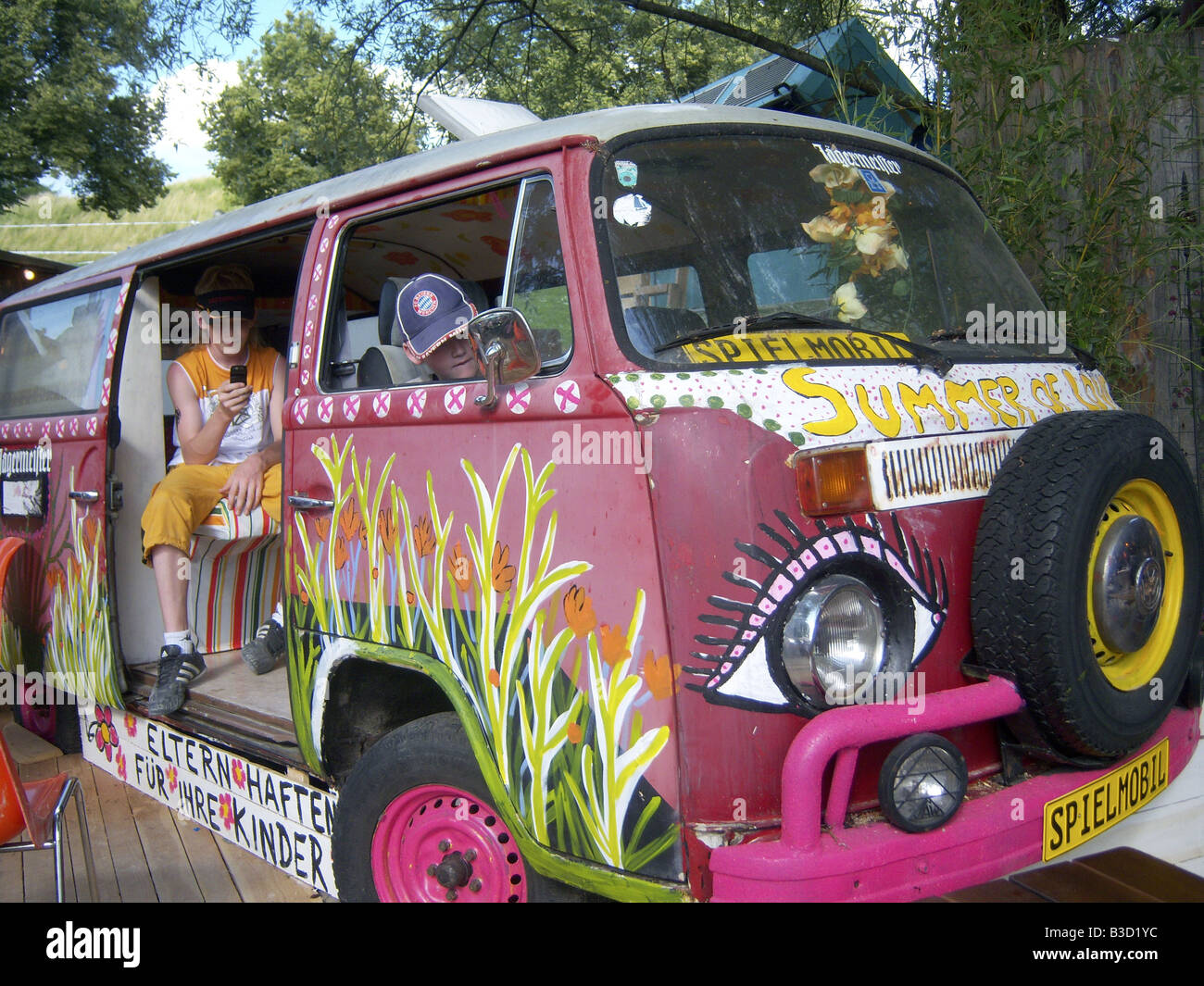 Hippie Buses Psychedelic Bus Stock Photos Psychedelic Bus Stock Images Alamy