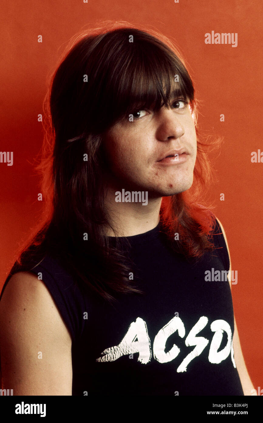 an analysis of the topic of angus young guitarist of acdc Friends and family of ac/dc founding member malcolm young have paid tribute to the australian rock star at his funeral in sydney the scottish-born musician died on november 18 aged 64 after a battle with dementia his younger brother and ac/dc bandmate, angus young, carried a guitar at the ceremony.