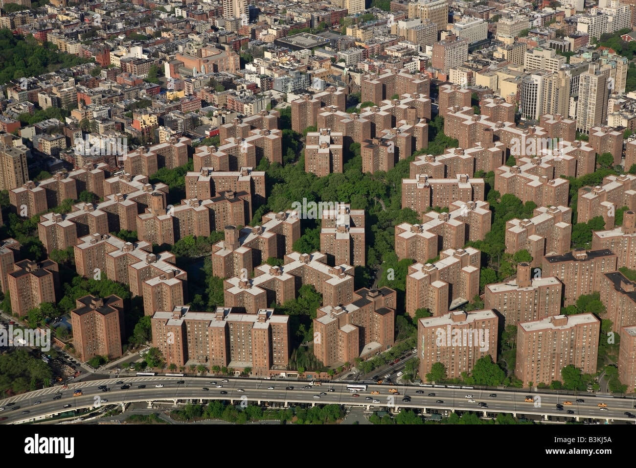 Aerial view of stuyvesant town and peter cooper village for Stuyvesant town nyc
