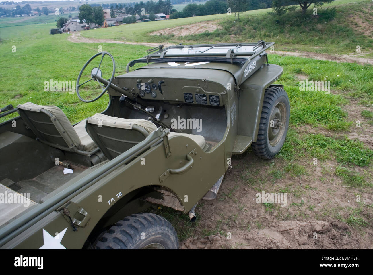 Jeep mb jeep : Popular US military vehicle Willys MB jeep most popular during ...