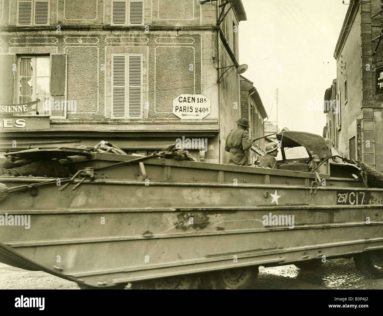 account of the d day during world war ii The pivotal world war ii battle took place 70 years ago today  story highlights   a major turning point in world war ii, the d-day invasion of normandy paved  the way for the liberation of paris and the eventual defeat of nazi.