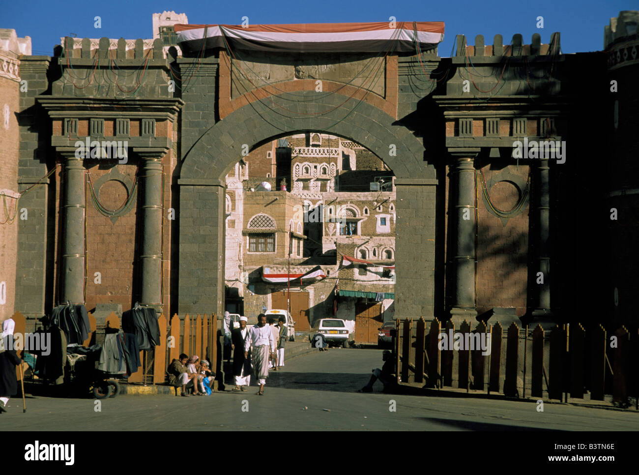 asia yemen sana 39 a bab al yemen entrance gate to the old city stock photo royalty free image. Black Bedroom Furniture Sets. Home Design Ideas