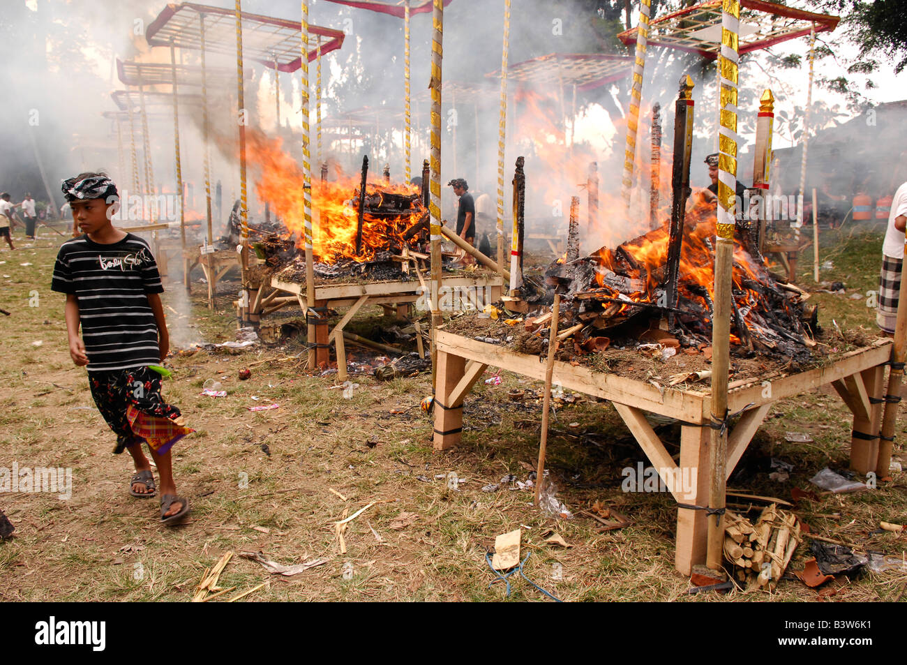 mass cremation, traditional balinese hindu funeral ,gianyar ...