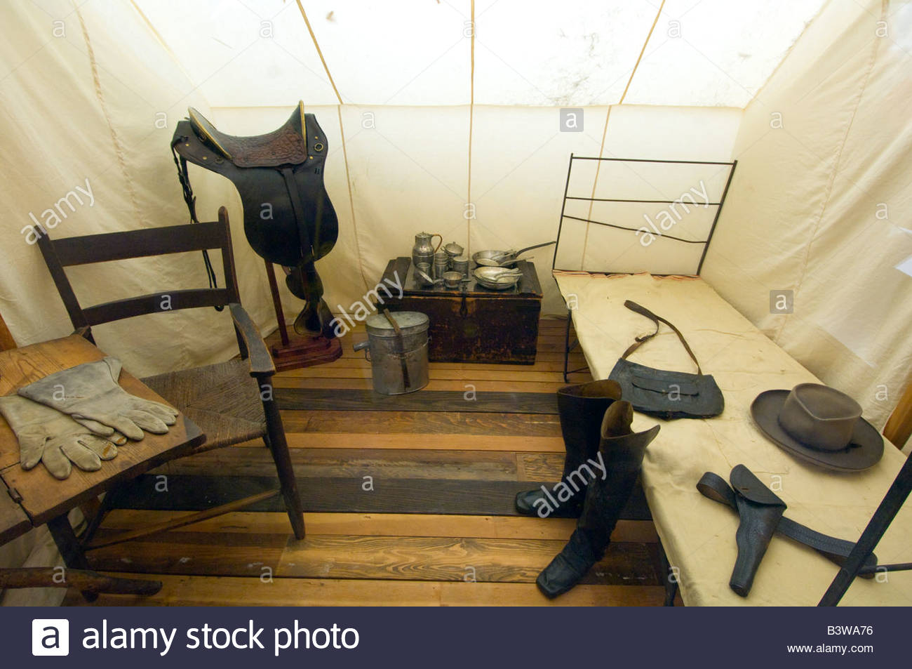 Exhibit of Robert E Lee s Headquarters Tent Museum of the Confederacy Richmond Virginia USA & Exhibit of Robert E Lee s Headquarters Tent Museum of the ...