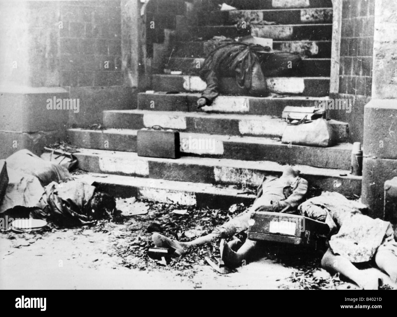 germany after world war ii Because of the cold war, there was no comprehensive peace settlement after the second world war as there had been in 1919  after france's defeat by germany,.