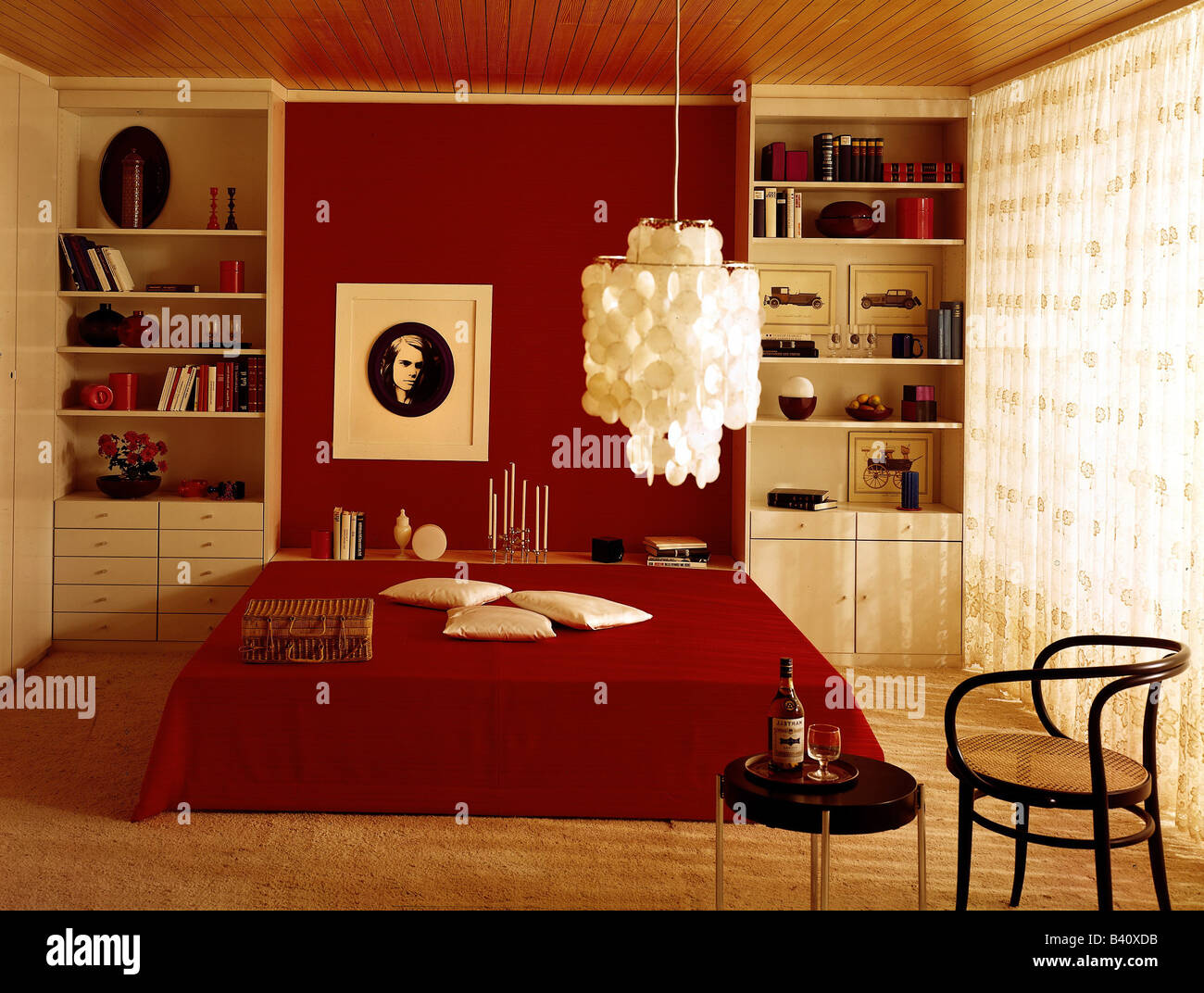 Furnishing bedroom 1970s 70s historic historical for 70s bedroom ideas