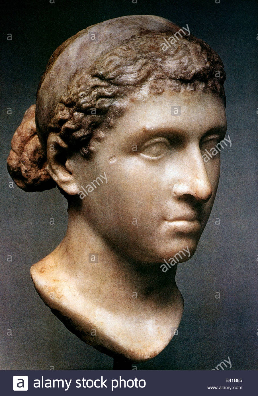 cleopatra vii The eldest son of cleopatra was born june 23, 47 bc as a son of gaius julius  caesar, he was called caesarion, meaning ''little caesar'' his full name was.