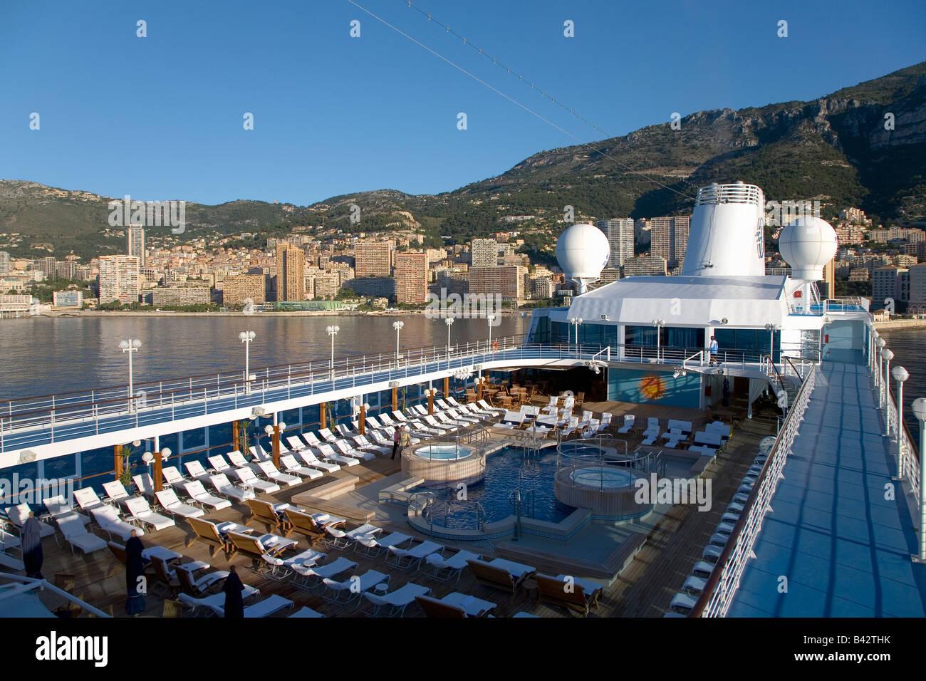 Upper Deck Swimming Pool Of Insignia Oceania Cruise Ship As It - Insignia cruise ship