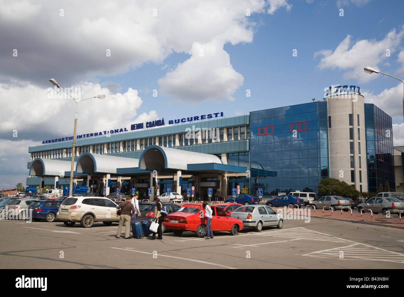 Aeroporto Bucarest : Bucharest romania otopeni airport international departures