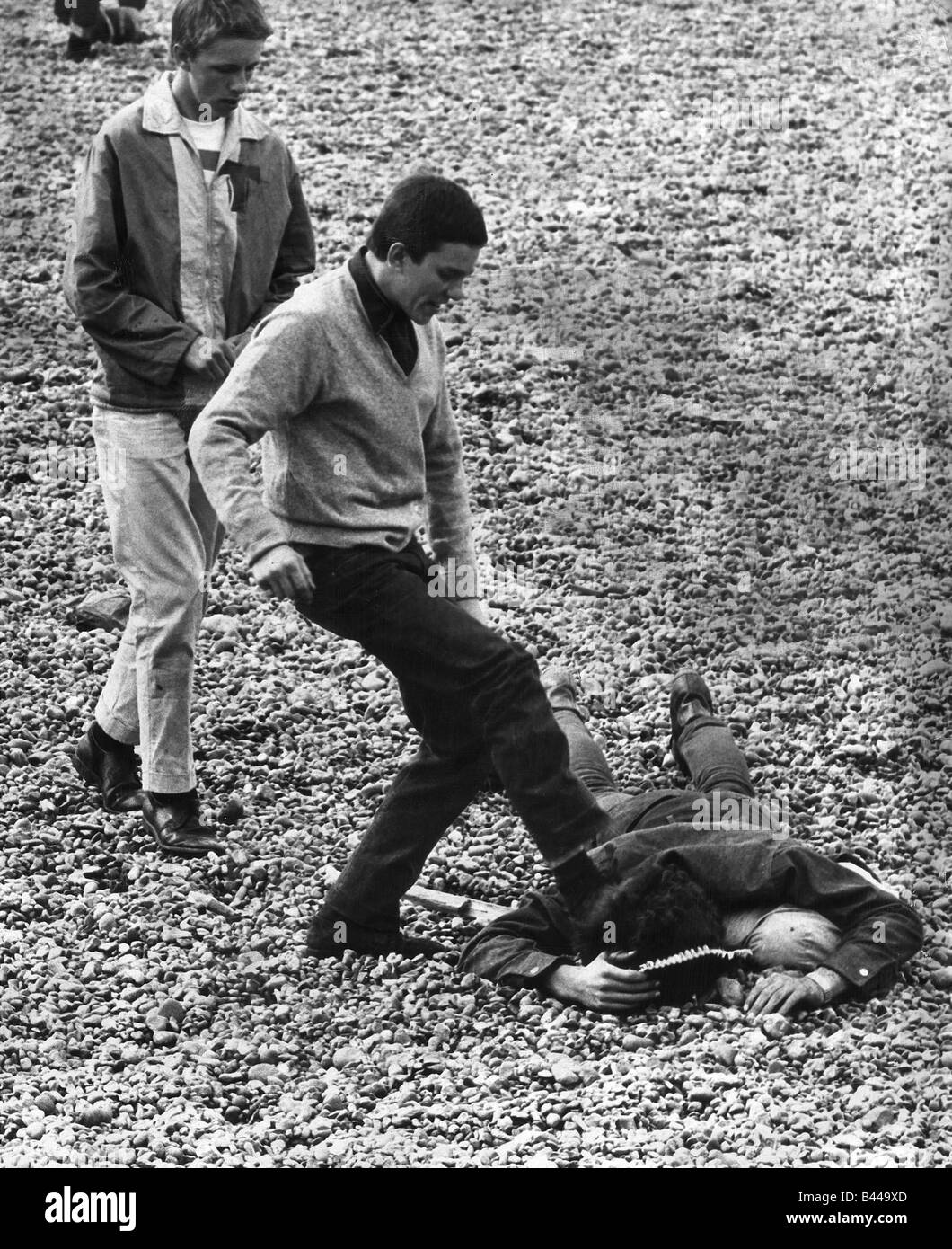 Youth Mods and Rockers Brighton Beach Fight May 1964 A moment of ...