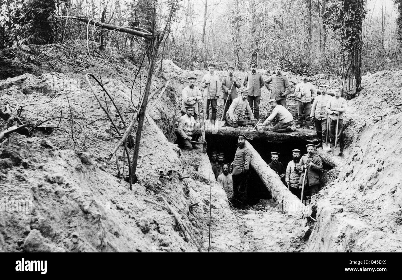 Trench Warfare Stock Photos & Trench Warfare Stock Images - Alamy