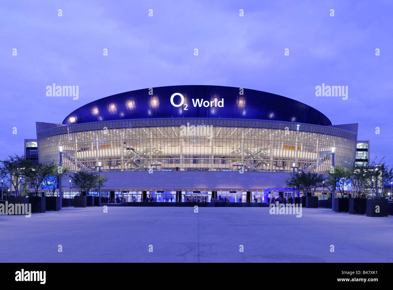 o2 world o2 arena of the anschutz entertainment group berlin stock photo royalty free image. Black Bedroom Furniture Sets. Home Design Ideas