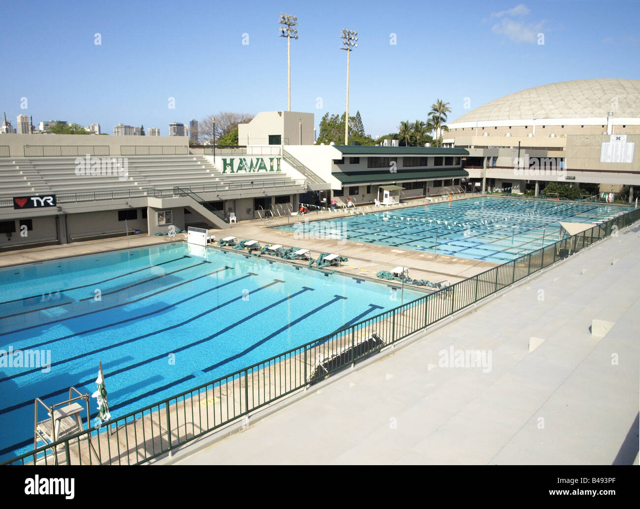 Swimming Pool University Of Hawaii Campus Stock Photo Royalty Free Image 19869543 Alamy