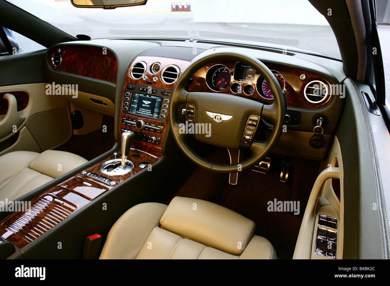 Car bentley continental gt model year 2003 luxury approxs car bentley continental gt model year 2003 luxury approxs coupecoupe blackanthracite fghds interior view interior vi vanachro Gallery