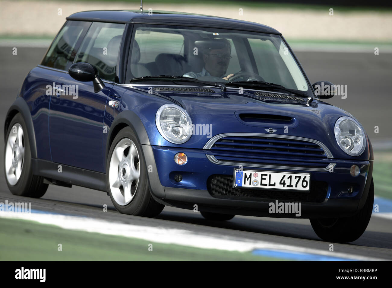 Car bmw mini cooper s miniapprox s limousine model year 2002