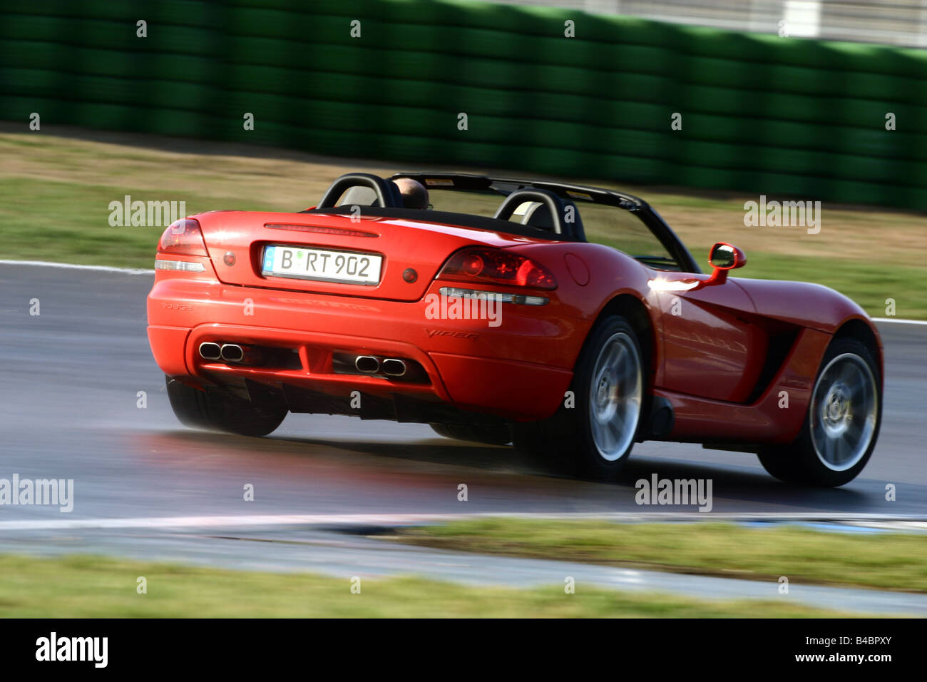Car dodge viper srt 10 convertible model year 2003 red