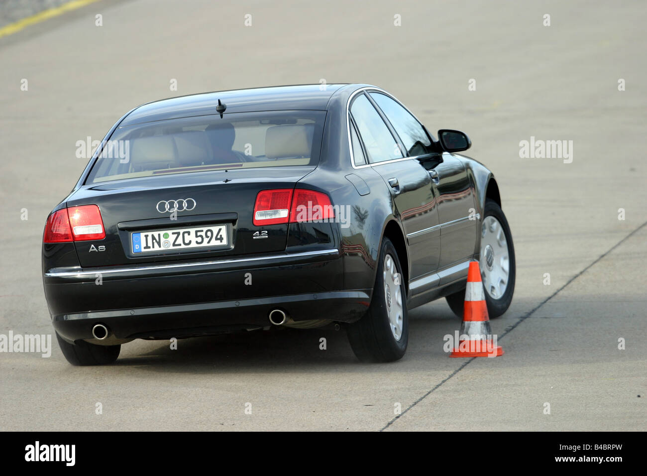Audi a8 l 6 0 w12 quattro 2004 picture 3 of 5 rear angle image - Car Audi A8 4 2 Quattro Limousine Luxury Approx S Model Year
