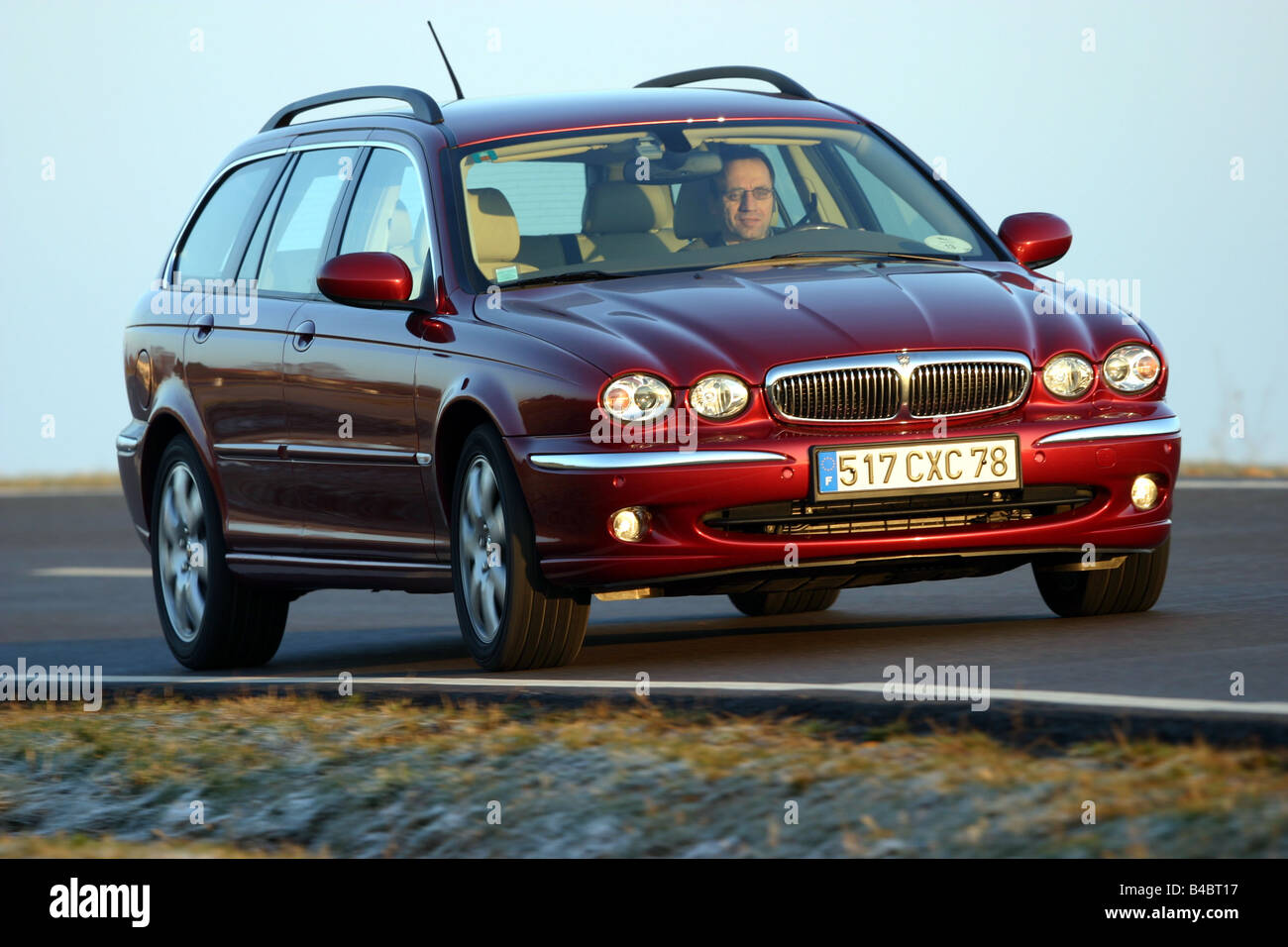 car jaguar x type estate 2 0 d model year 2004 medium class stock photo royalty free image. Black Bedroom Furniture Sets. Home Design Ideas