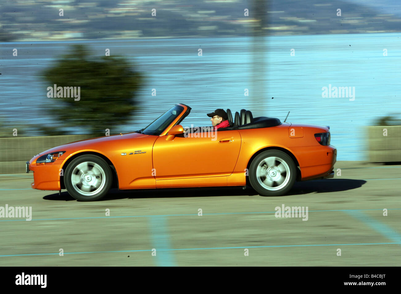Etonnant Car, Honda S 2000, Model Year 2005 , Orange , Convertible, Driving
