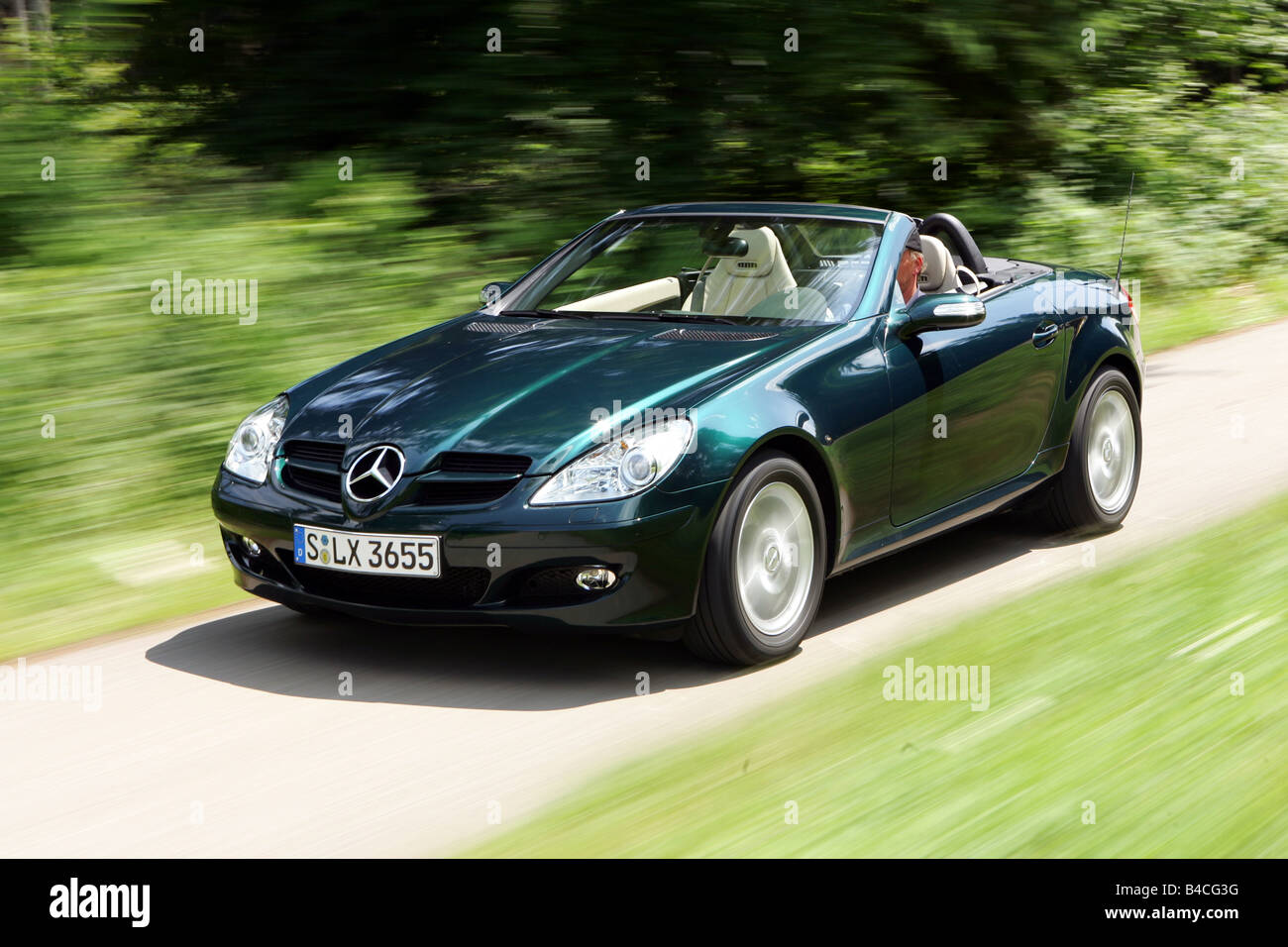 mercedes slk 280 model year 2005 dark green driving. Black Bedroom Furniture Sets. Home Design Ideas