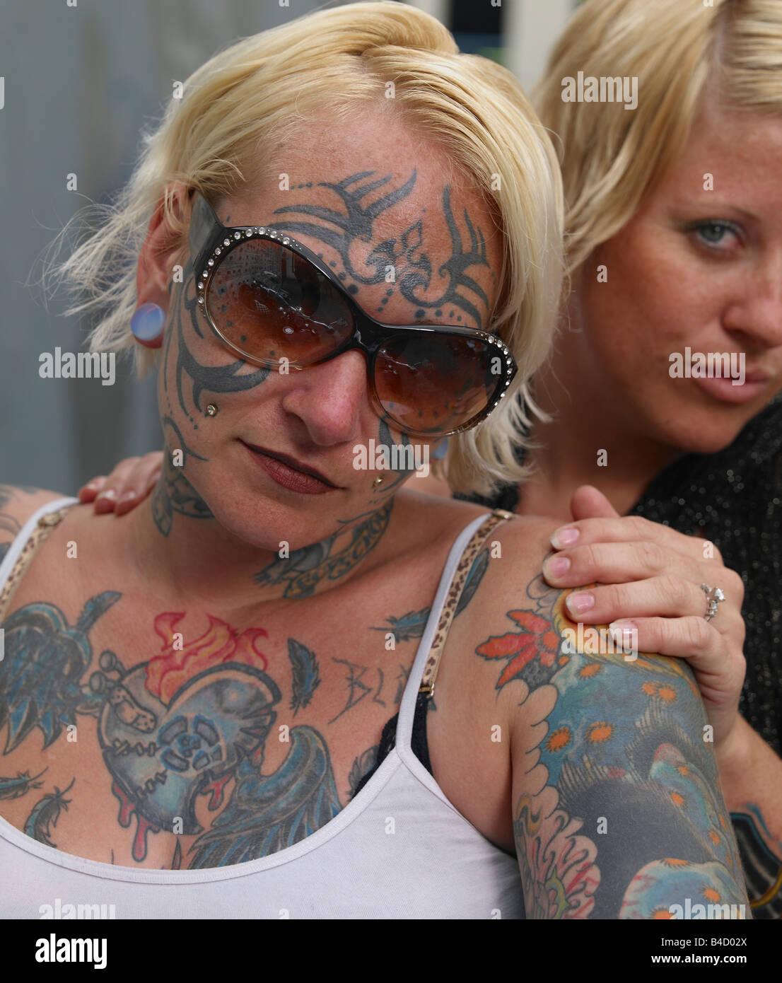 lesbian shower sceen