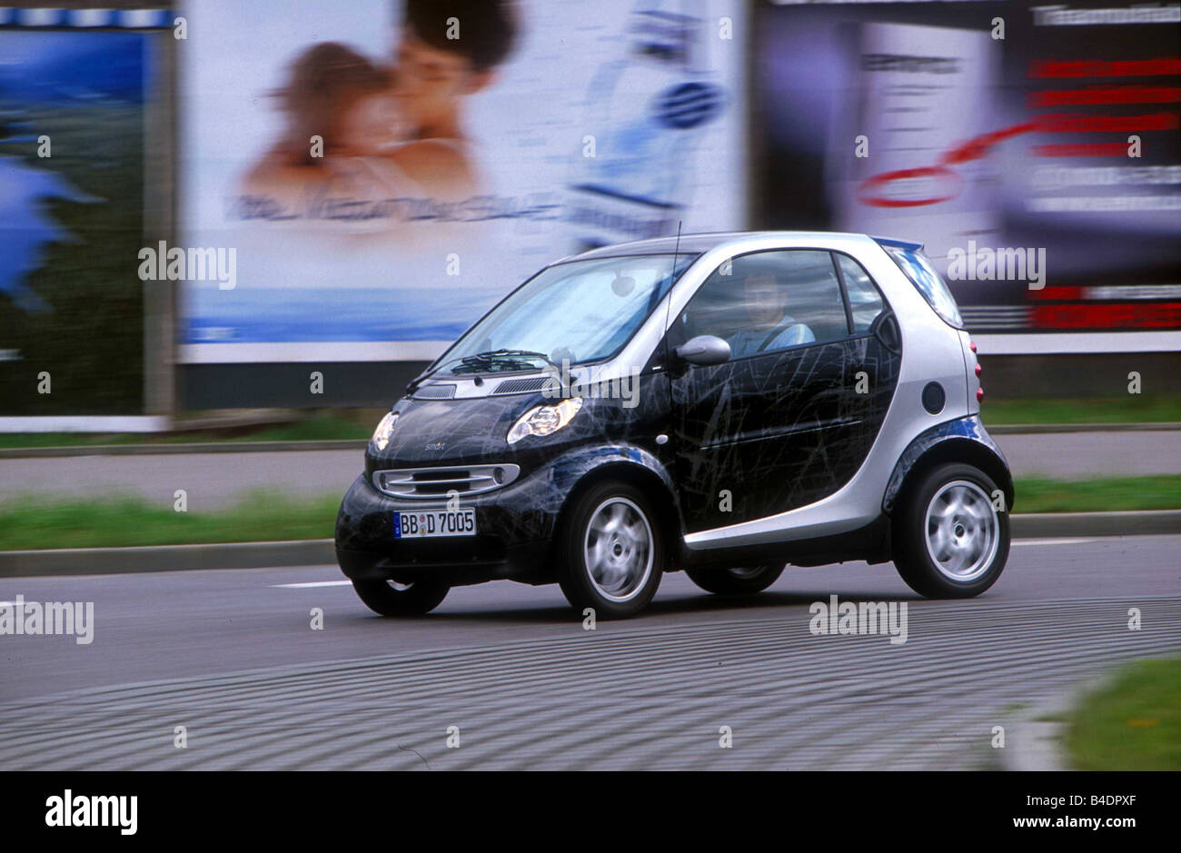 car mercedes smart coupe mini cars model year 2002 stock photo 19972359 alamy. Black Bedroom Furniture Sets. Home Design Ideas