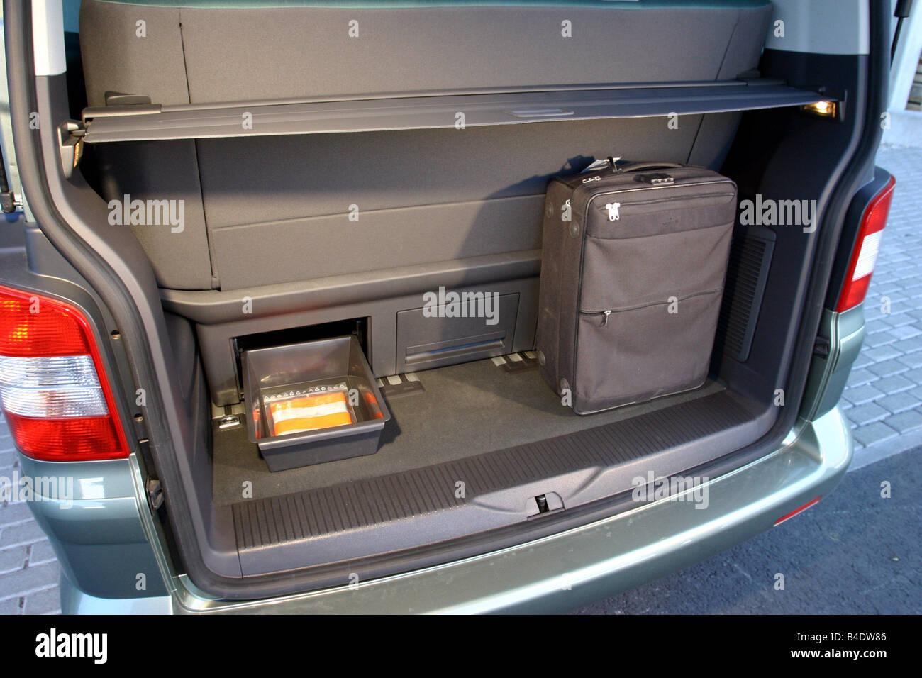 Car  Vw Volkswagen Multivan T5 2 5 Tdi  Van  Model Year