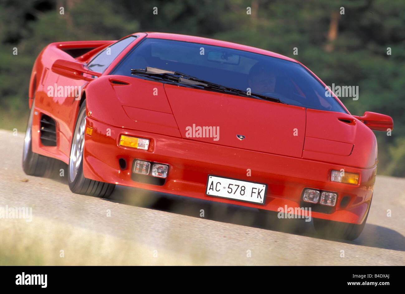 http://c8.alamy.com/comp/B4DXAJ/car-lamborghini-diablo-vt-coupe-coupe-roadster-red-model-year-1995-B4DXAJ.jpg