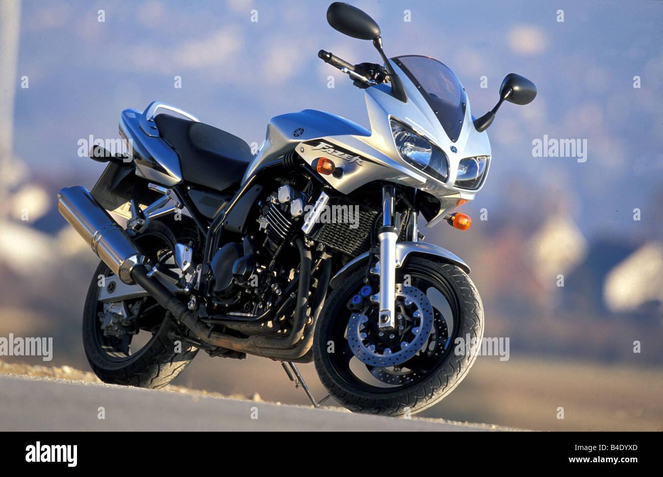 Engine cycle sports motor cycle sporttourer yamaha fzs 600 fazer silver