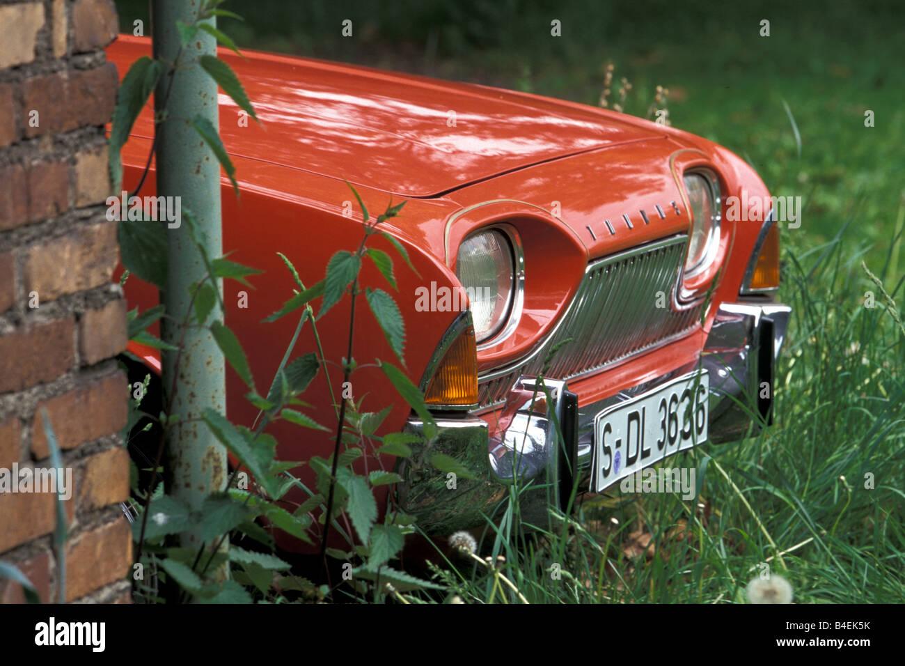 car ford taunus 17m p3 bath tub red white model. Black Bedroom Furniture Sets. Home Design Ideas