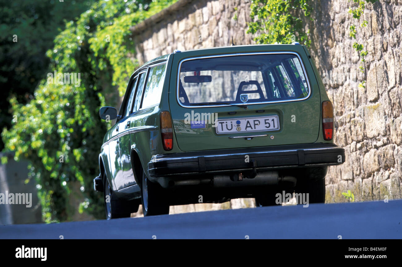 Car, Volvo 245 DL wagon, model year 1976, old car, 1970s, seventies ...