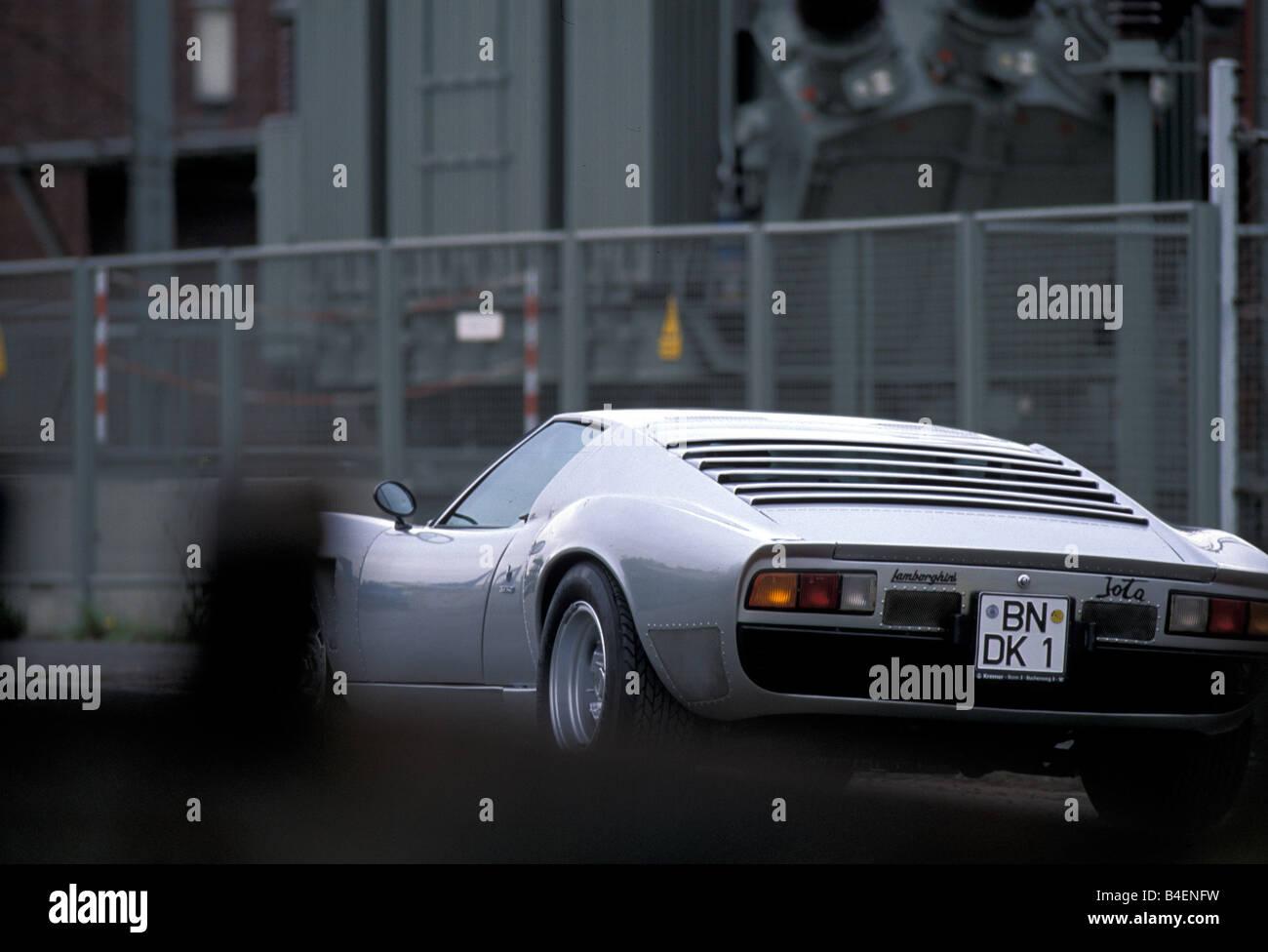 http://c8.alamy.com/comp/B4ENFW/car-lamborghini-miura-sv-jota-model-year-1970s-seventies-silver-sports-B4ENFW.jpg