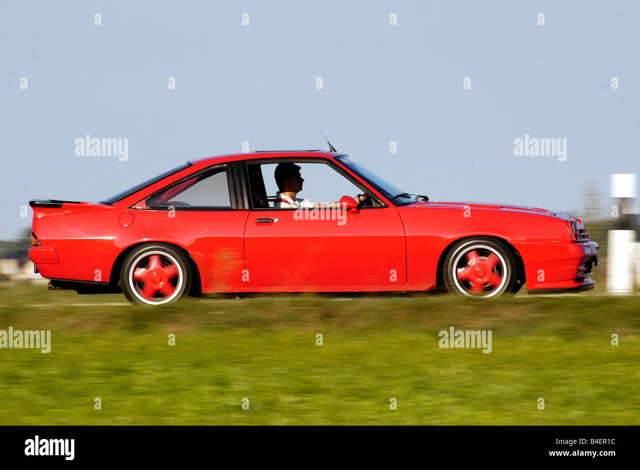 car opel manta b model year 1983 red coup coupe old car stock photo royalty free image. Black Bedroom Furniture Sets. Home Design Ideas