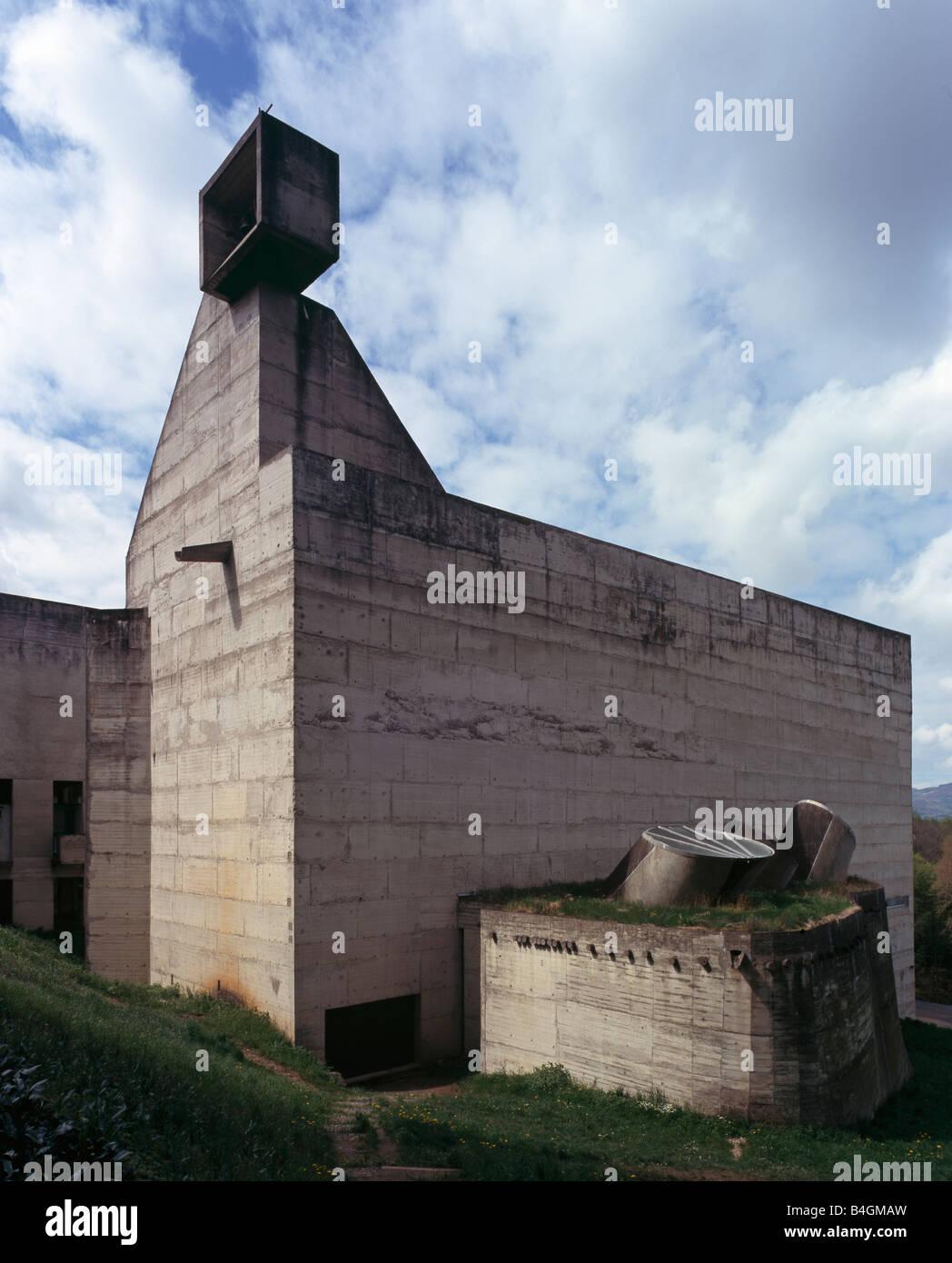 eveux lyon kloster la tourette le corbusier