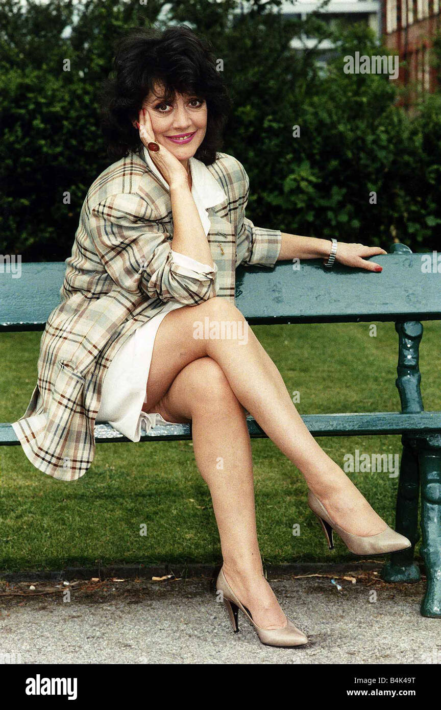 Amanda Barrie naked (28 pics) Boobs, YouTube, legs