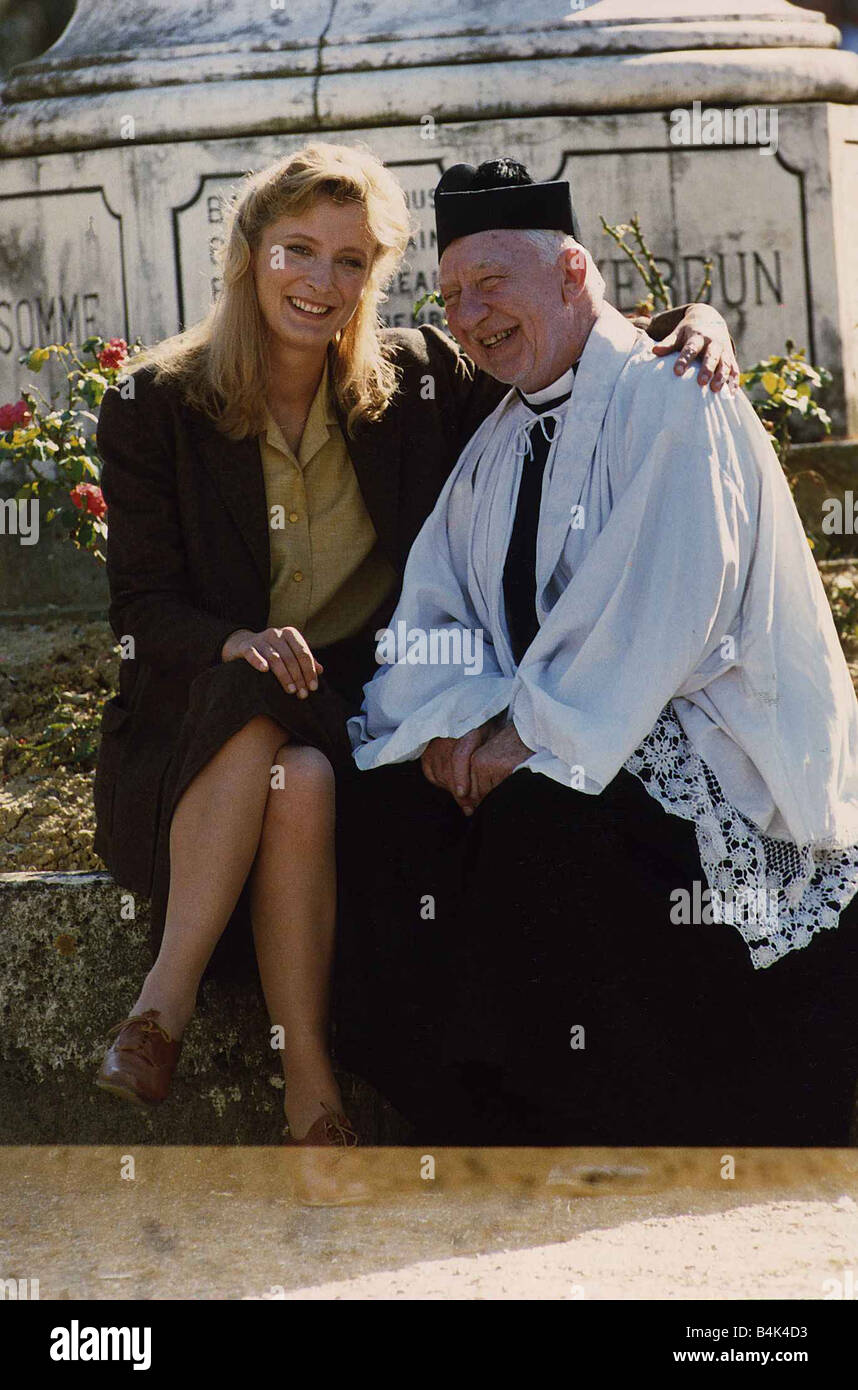 Wall Mirror wall mirror images : Kate Buffery sitting on wall with Priest January 1989 ...