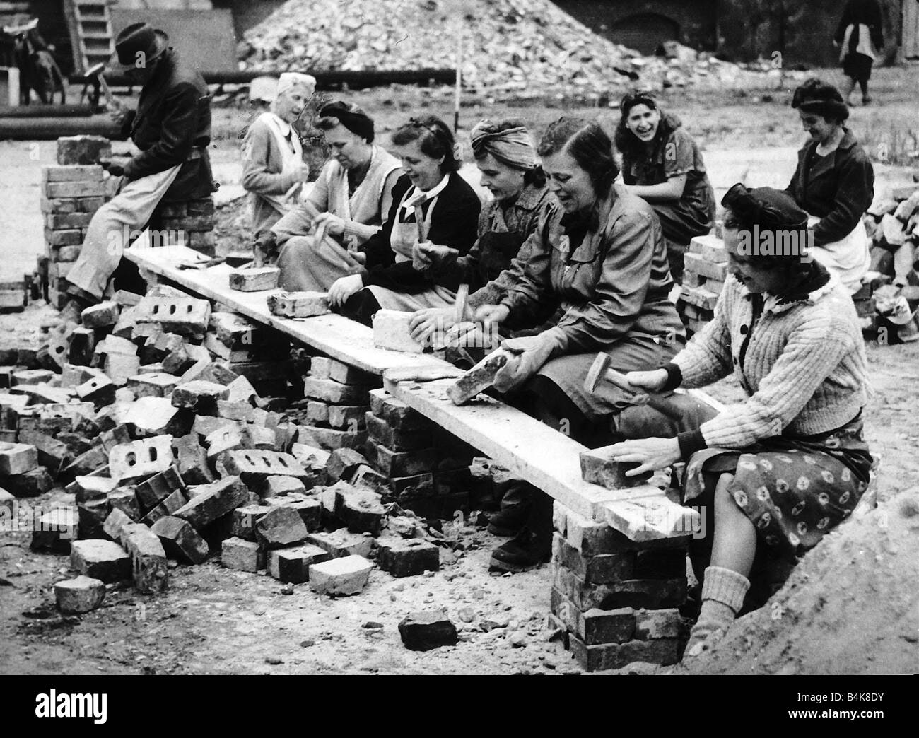 German women recycle bricks to help rebuild berlin after for Germany rebuilding after ww2