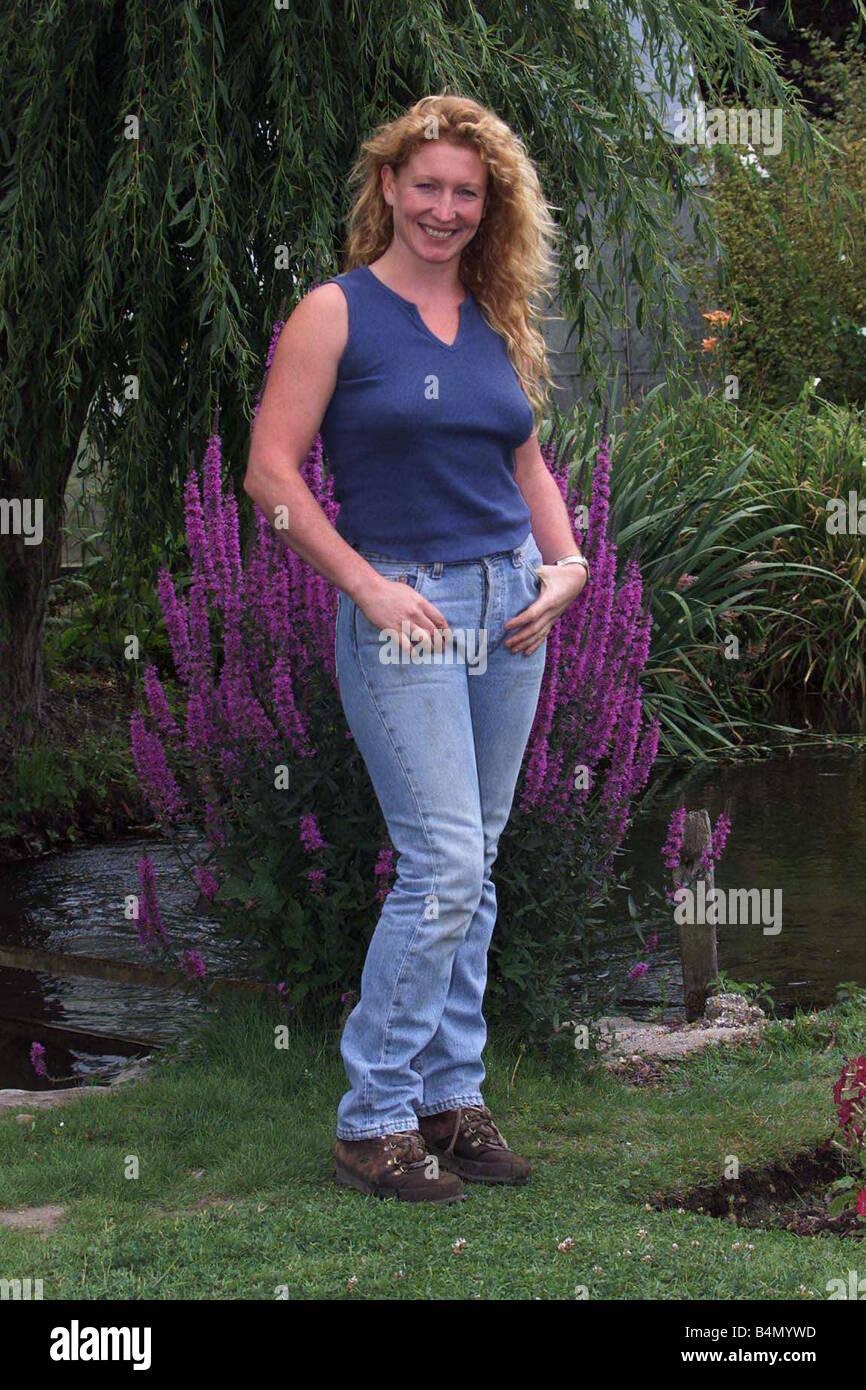 Charlie Dimmock Tv Presenter Gardener July 1999 Pictured