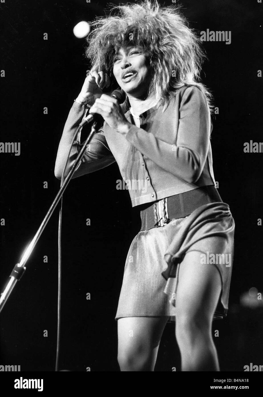 Très Tina Turner Singer In concert performing on stage at Birminghams  AV46