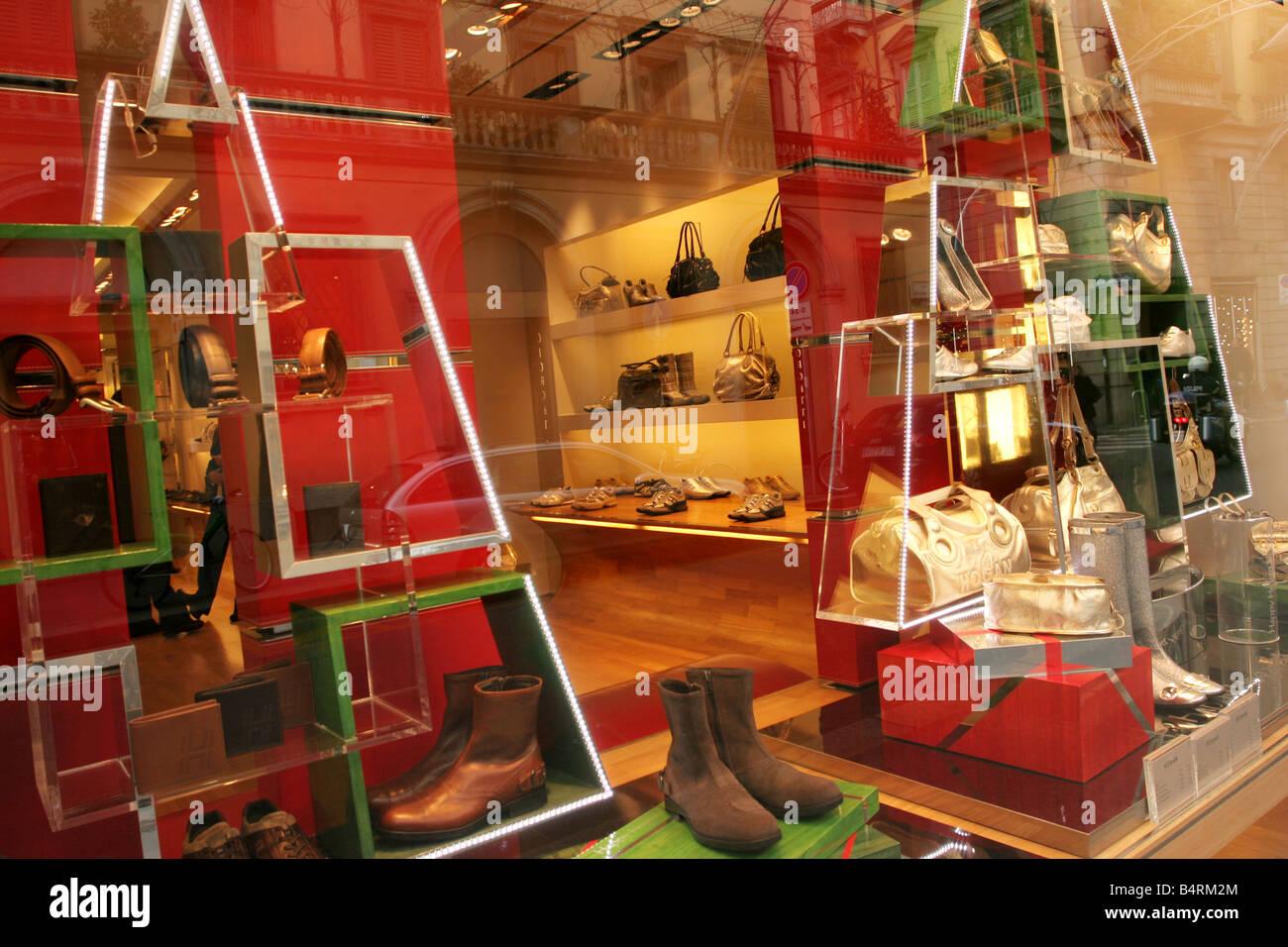 hogan shop in milan