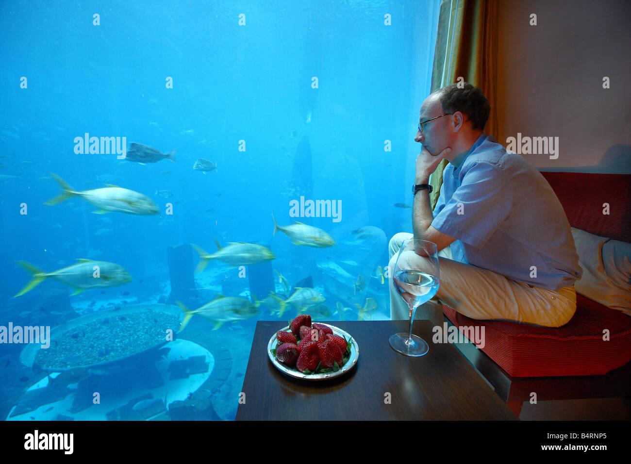 Atlantis Hotel The Palm Dubai United Arab Emirates Underwater Suite With View Of Ambassadro Lagoon Aquarium