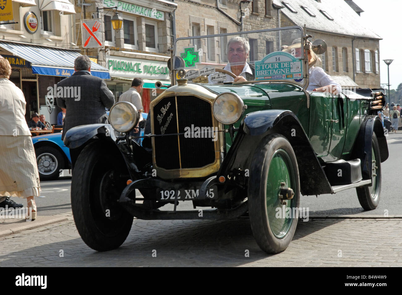 de dion bouton torpedo 1922 at broons tour de bretagne classic car stock photo royalty free. Black Bedroom Furniture Sets. Home Design Ideas