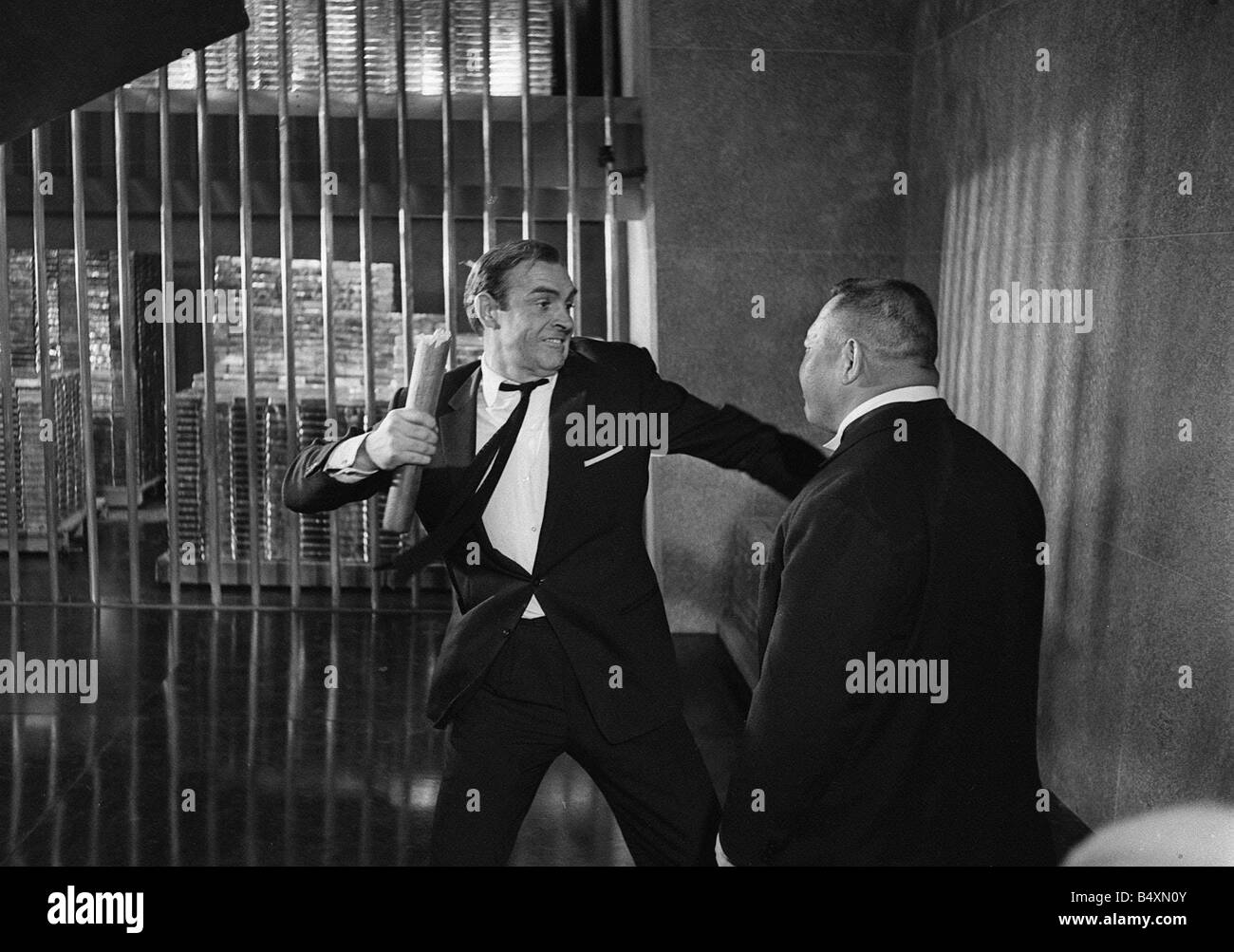 http://c8.alamy.com/comp/B4XN0Y/film-goldfinger-1964-sean-connery-as-james-bond-007-fighting-with-B4XN0Y.jpg