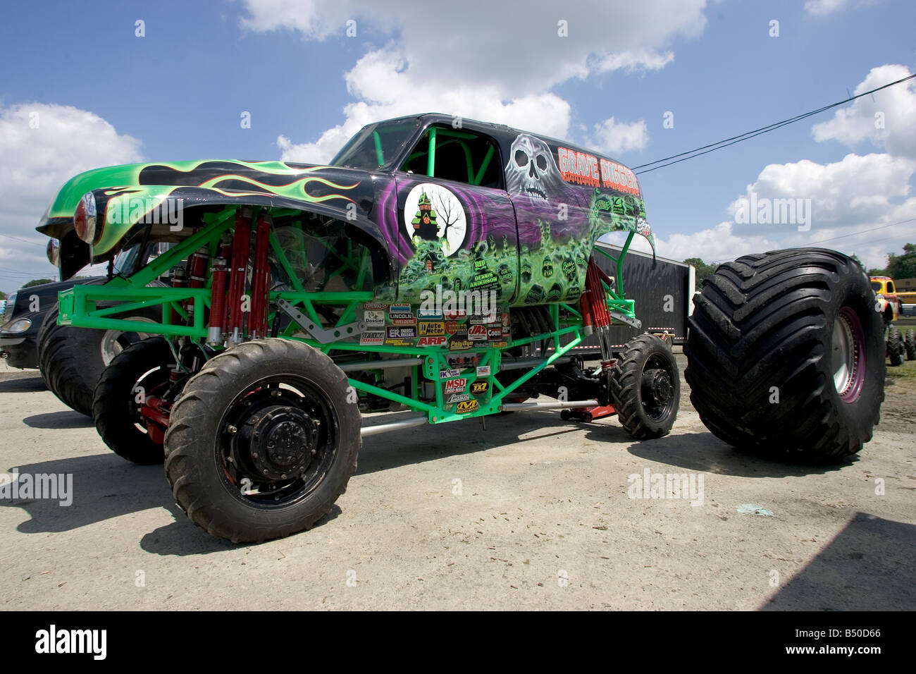 outdated crd monster truck page 23 beamng. Black Bedroom Furniture Sets. Home Design Ideas