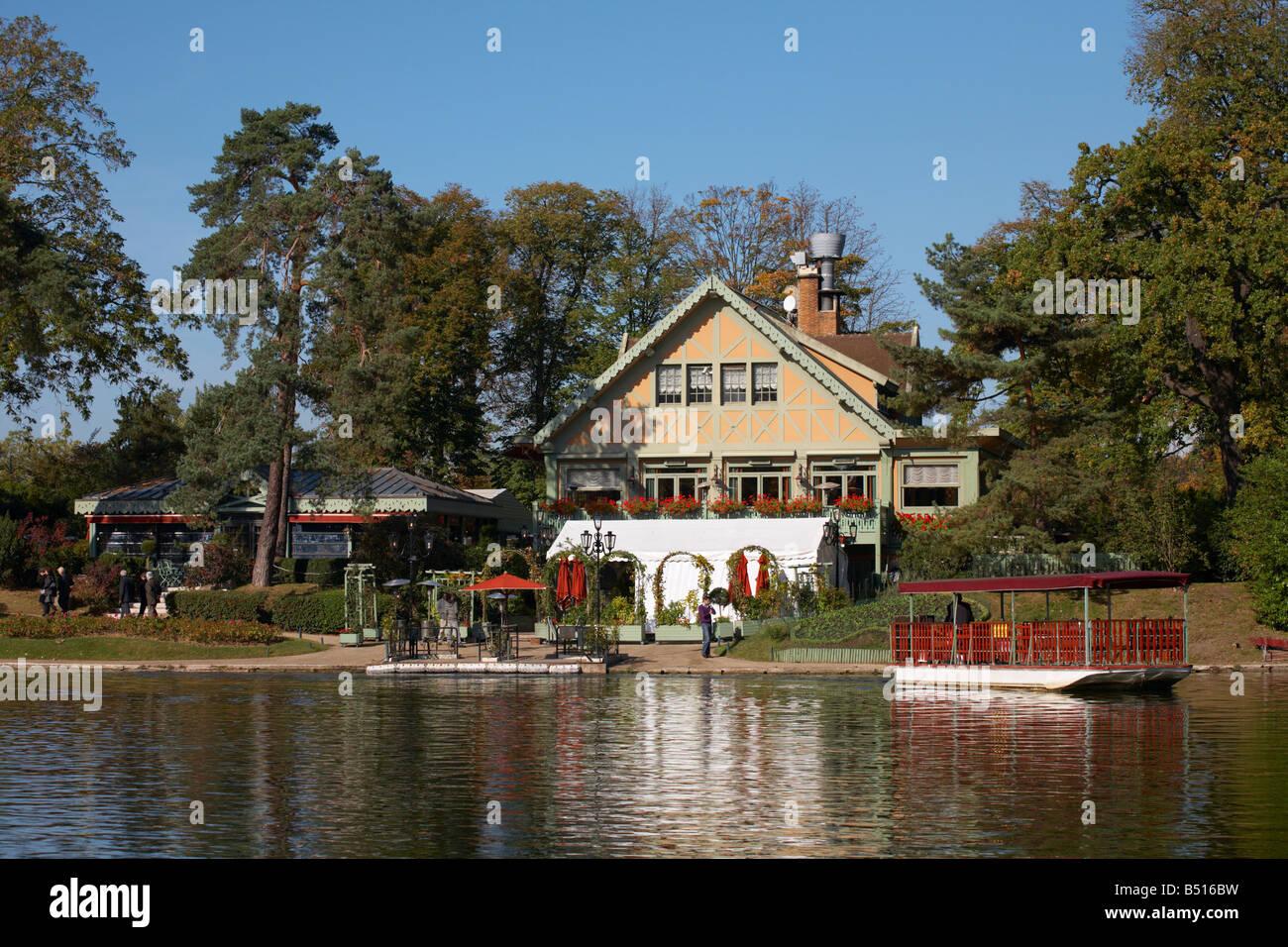 the chalet des iles restaurant lac inférieur bois de boulogne