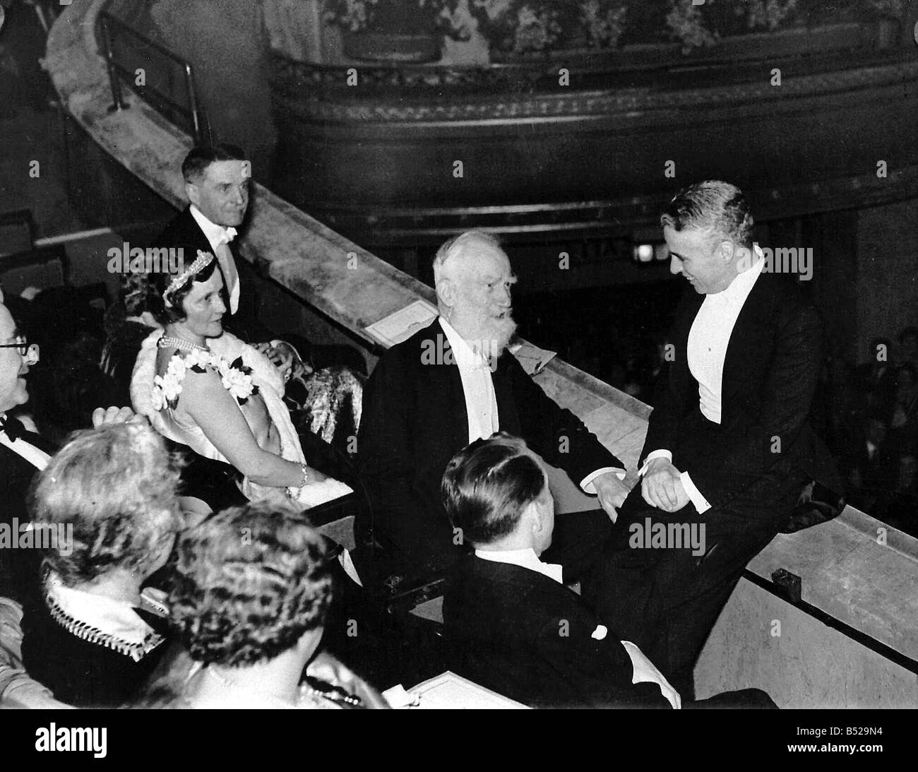 writer george bernard shaw stock photos writer george bernard charlie chaplin feb 1931 seen here george bernard shaw and lady nancy astor at the