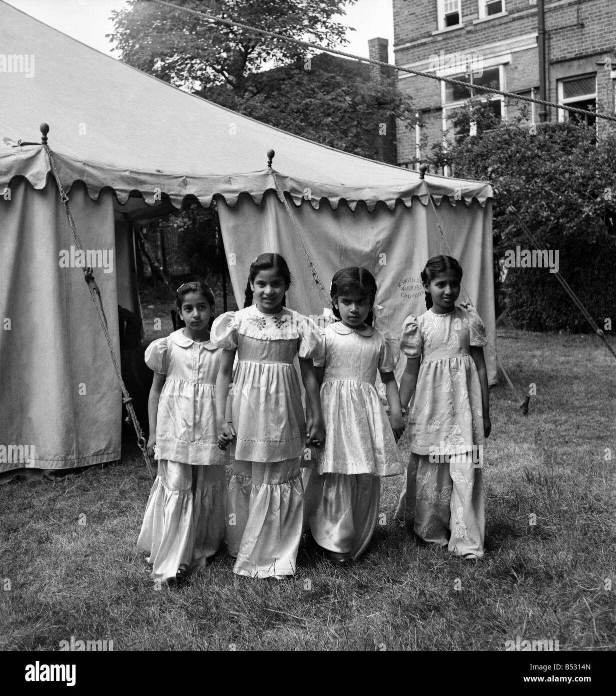 Beautiful Child Eid Al-Fitr Feast - muslim-feast-of-eid-ul-fitr-the-breaking-of-the-fast-celebrated-by-B5314N  You Should Have_706618 .jpg